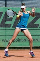 http://tennis.hsuhr.eu/cache/_240x240//LauraBente/2015-09-11%2013-48-20r.jpg